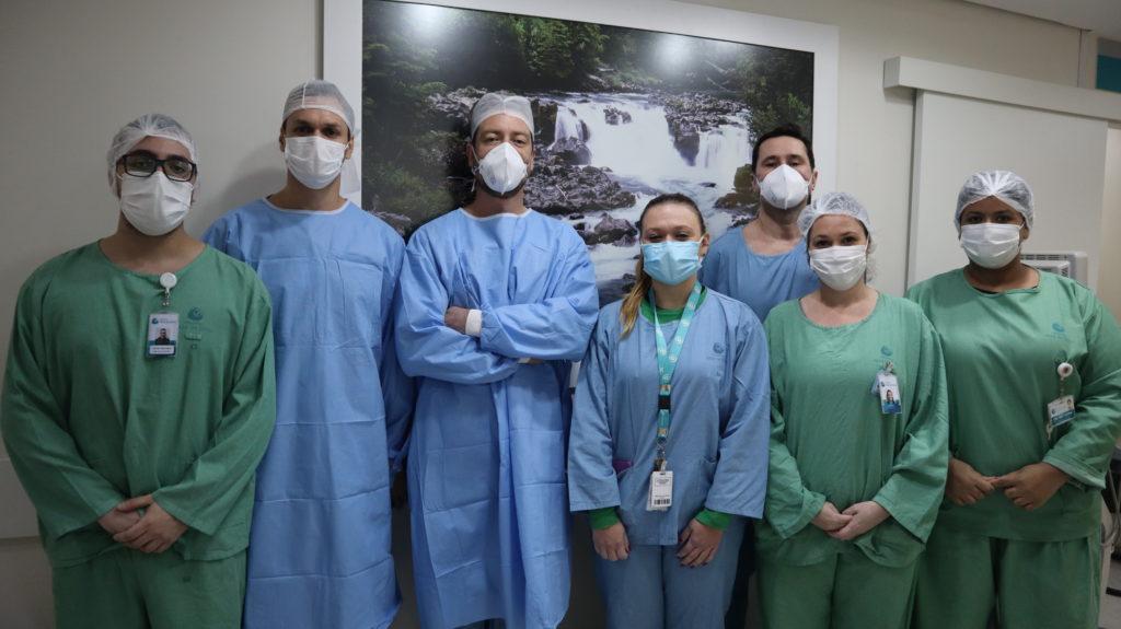 Hospital Mãe de Deus realiza procedimento inédito no RS para tratamento de câncer renal